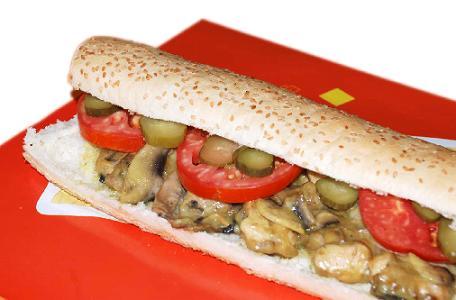 ساندویچ فیله مرغ با پنیر